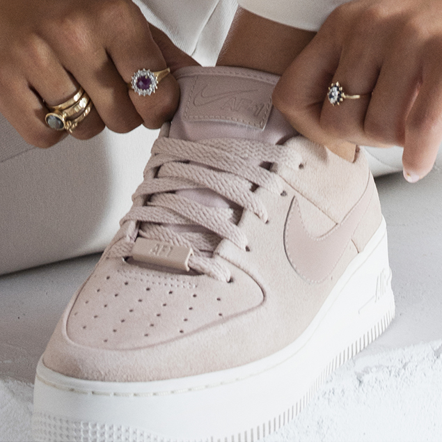 nouvelle air force 1 femme,Nike AIR FORCE 1 SAGE LOW W Blanc ...